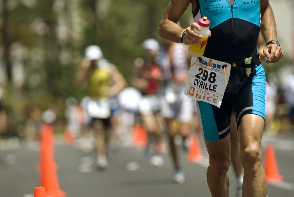 triathlonista, który potrafi oszacować swoją kaloryczność diety w triathlonie